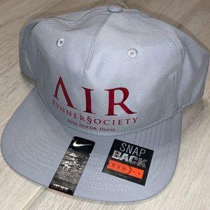 🔥 NIKE AIR RUNNERS SOCIETY SNAPBACK HAT